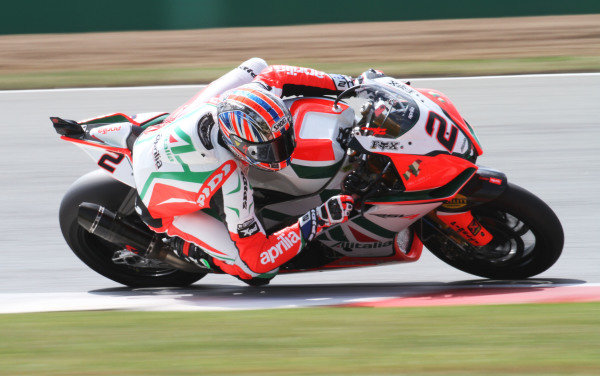 Silverstone, England. 29th-31st July 2011. Leon Camier, Aprilia. Action. World Copyright: Kevin Wood/LAT Photographic. ref: Digital Image IMG_4819a