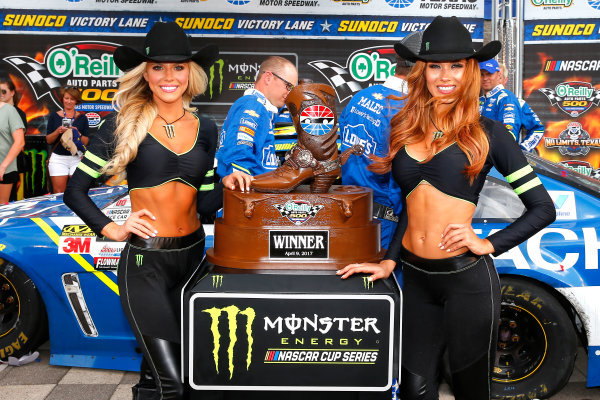 2017 Monster Energy NASCAR Cup Series O'Reilly Auto Parts 500 Texas Motor Speedway, Fort Worth, TX USA Sunday 9 April 2017 Monster Energy girls in victory lane World Copyright: Russell LaBounty/LAT Images ref: Digital Image 17TEX1rl_5292