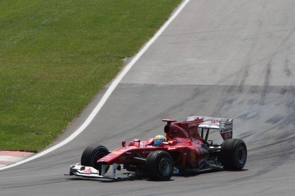 Felipe Massa (BRA) Ferrari F10 with damaged front wing.Formula One World Championship, Rd 8, Canadian Grand Prix, Race, Montreal, Canada, Sunday 13 June 2010.