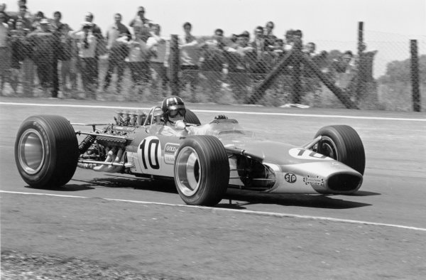 1968 Spanish Grand Prix.Jarama, Spain. 12 May 1968.Graham Hill (Lotus 49-Ford Cosworth), 1st position. Ref-1986 #21.World Copyright - LAT Photographic
