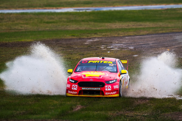 2017 Supercars Championship Round 5.  Winton SuperSprint, Winton Raceway, Victoria, Australia. Friday May 19th to Sunday May 21st 2017. Fabian Coulthard drives the #12 Shell V-Power Racing Team Ford Falcon FGX. World Copyright: Daniel Kalisz/LAT Images Ref: Digital Image 190517_VASCR5_DKIMG_3250.JPG