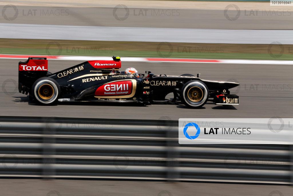 Shanghai International Circuit, Shanghai, China Saturday 13th April 2013 Romain Grosjean, Lotus E21 Renault.  World Copyright: Steven Tee/LAT Photographic ref: Digital Image _14P6165