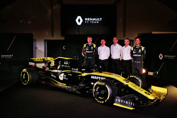 (L to R): Nico Hulkenberg, Renault Sport F1 Team, Remi Taffin, Head of Renault Sport F1 Track Operations, Cyril Abiteboul, Renault Sport F1 Managing Director, Nick Chester, Renault Sport F1 Team Technical Director and Daniel Ricciardo, Renault Sport F1 Team with the new Renault Sport F1 Team R.S. 19