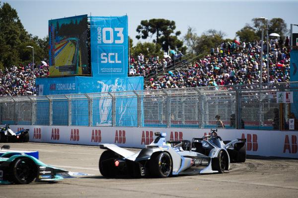 Oliver Rowland (GBR), Nissan e.Dams, Nissan IMO1 leads Felipe Massa (BRA), Venturi Formula E, Venturi VFE05