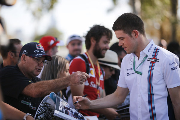 Paul di Resta (GBR) Williams Test and Reserve Driver signs autographs for the fansat Formula One World Championship, Rd1, Australian Grand Prix, Preparations, Albert Park, Melbourne, Australia, Thursday 17 March 2016.