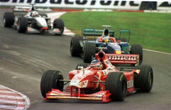 1998 Argentinian Grand Prix.Buenos Aires, Argentina.10-12 April 1998.Jacques Villeneuve (Williams FW20 Mecachrome) leads Jean Alesi (Sauber C17 Petronas Ferrari) and David Coulthard (McLaren MP4/13 Mercedes-Benz).World Copyright - LAT Photographic