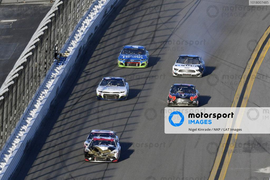 #20: Erik Jones, Joe Gibbs Racing, Toyota Camry Sports Clips and #11: Denny Hamlin, Joe Gibbs Racing, Toyota Camry FedEx Express