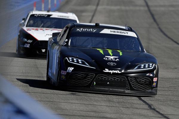 #18: Riley Herbst, Joe Gibbs Racing, Toyota Supra Monster, #22: Austin Cindric, Team Penske, Ford Mustang Odyssey Battery