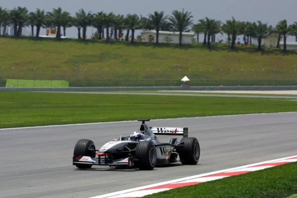 2001 Malaysian Grand Prix.Sepang, Kuala Lumpur, Malaysia. 16-18 March 2001.David Coulthard (McLaren MP4/16 Mercedes) 3rd position.World Copyright - LAT Photographicref: 8 9MB DIGITAL IMAGE
