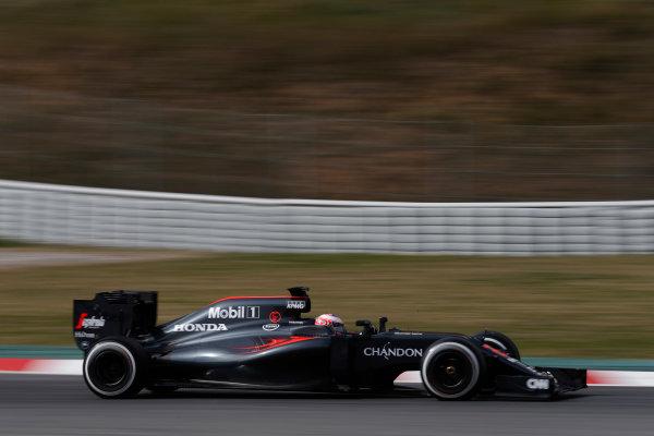 Circuit de Catalunya, Barcelona, Spain Monday 22 February 2016. Jenson Button, McLaren MP4-31 Honda. World Copyright: Glenn Dunbar/LAT Photographic ref: Digital Image _89P4020