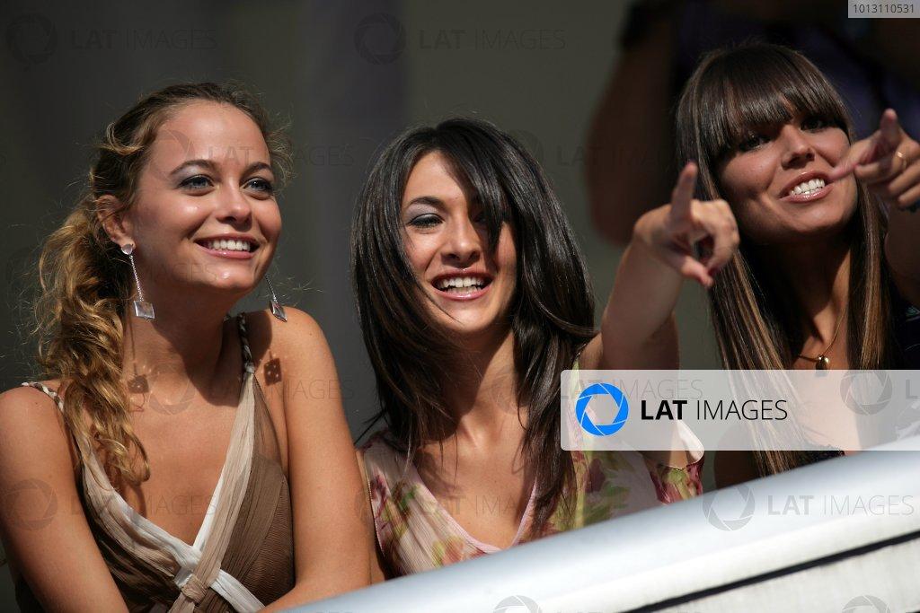 2007 Italian Grand Prix - ThursdayAutodromo di Monza, Monza, Italy.6th September 2007.Glamour. World Copyright: Andrew Ferraro/LAT Photographicref: Digital Image VY9E9481
