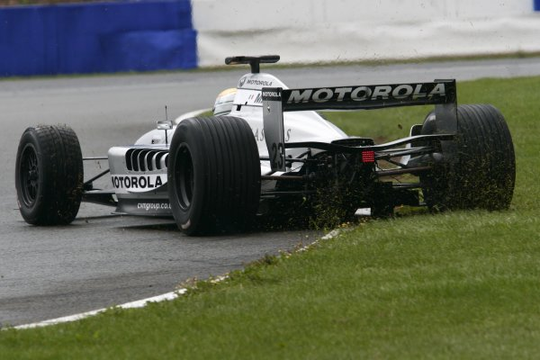 2006 Grand Prix Masters.Silverstone, England. 11th - 13th August.Pierluigi Martini spins onto the grass.Action.World Copyright: Drew Gibson/LAT Photographic.Ref: Digital Image Only.