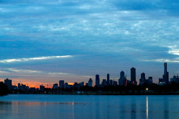 Albert Park, Melbourne, Australia. Friday 24 March 2017. The Melbourne skyline. World Copyright: Sam Bloxham/LAT Images ref: Digital Image _J6I1868