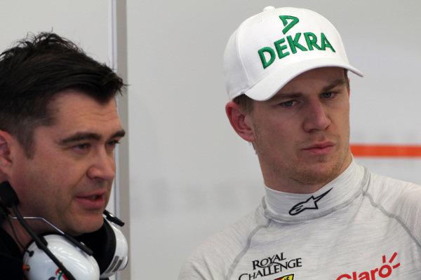 (L to R): Bradley JOyce (GBR) Force India Race Engineer and Nico Hulkenberg (GER) Force India F1. Formula One Testing, Day One, Bahrain International Circuit, Sakhir, Bahrain, Wednesday 19 February 2014.