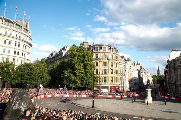 London, United Kingdom.  Wednesday 12 July 2017. Carlos Sainz Jr, Toro Rosso STR12 Renault. World Copyright: Joe Portlock/LAT Images  ref: Digital Image _L5R7279