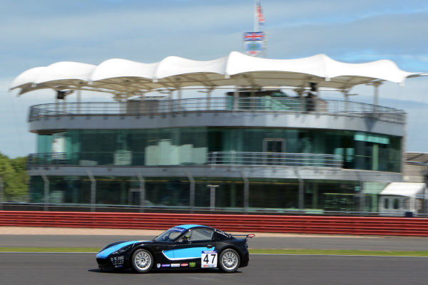2017 Ginetta GT5 Challenge and GRDC+, Silverstone, 11th-12th June 2017, Simon Traves Xentek Motorsport Ginetta G40. World copyright. JEP/LAT Images
