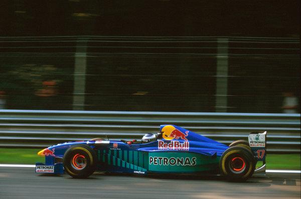 Monza, Italy.5-7 September 1997.Gianni Morbidelli (Sauber C16 Petronas Ferrari) 12th position.Ref-97 ITA 03.World Copyright - LAT Photographic