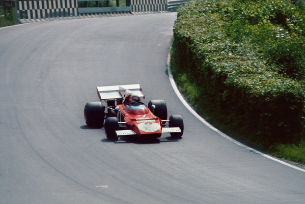 Nurburgring, Germany. 28 - 30 July 1972. Clay Regazzoni (Ferrari 312B2), 2nd position action.  World Copyright: LAT Photographic. Ref:  72GER20.