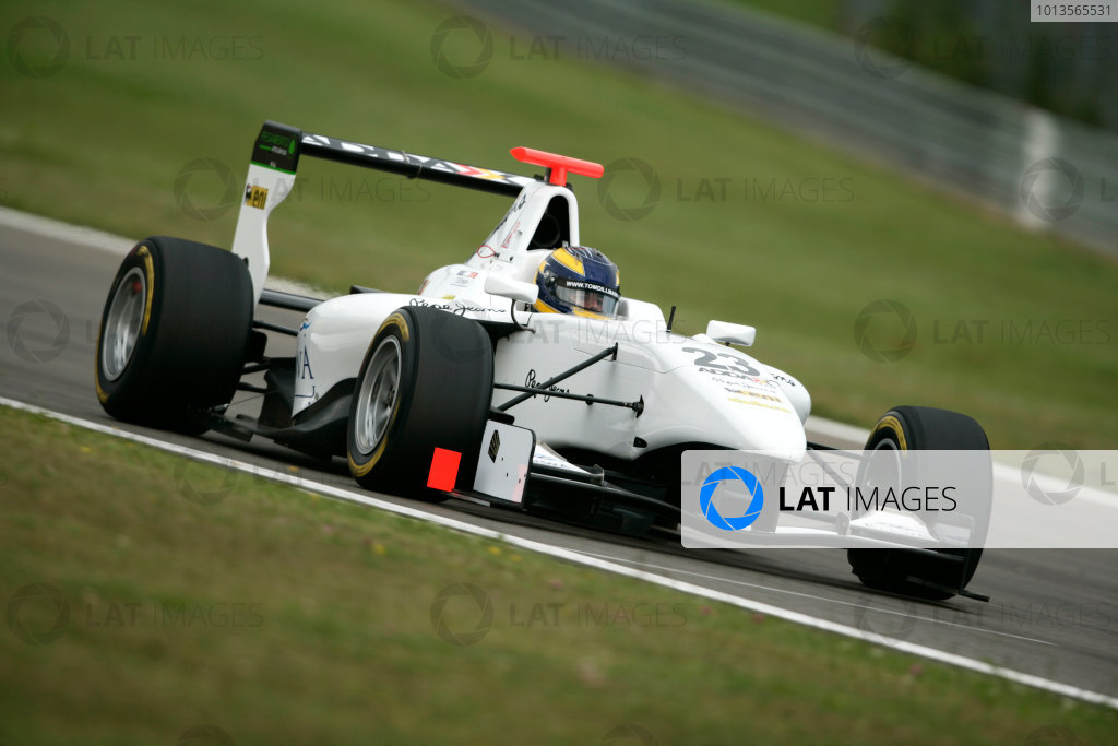 Round 5. Nurburgring, Germany. 22nd July 2011.Friday First Practice.Tom Dillmann, (FRA, Addax Team). Action. Photo: Drew Gibson/GP3 Media Service.  ref: Digital Image _Y2Z3959