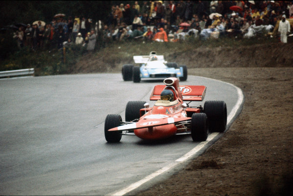 Mosport Park, Ontario, Canada. 17 - 19 November 1971.  Ronnie Peterson (March 711-Ford), 2nd position, leads Chris Amon (Matra-Simca MS120B), 10th position.  Ref: 71CAN35. World Copyright: LAT Photographic