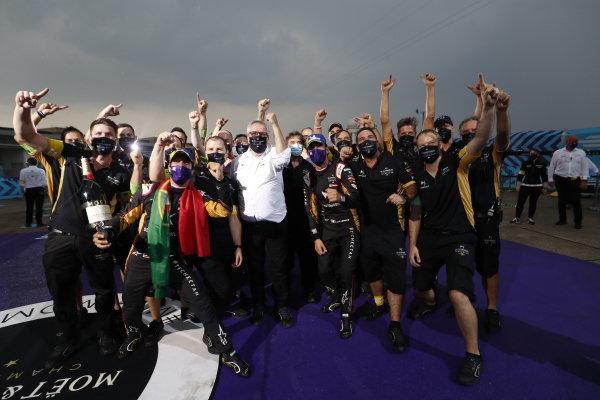 Antonio Felix da Costa (PRT), DS Techeetah celebrates with his team after winning the driver championship