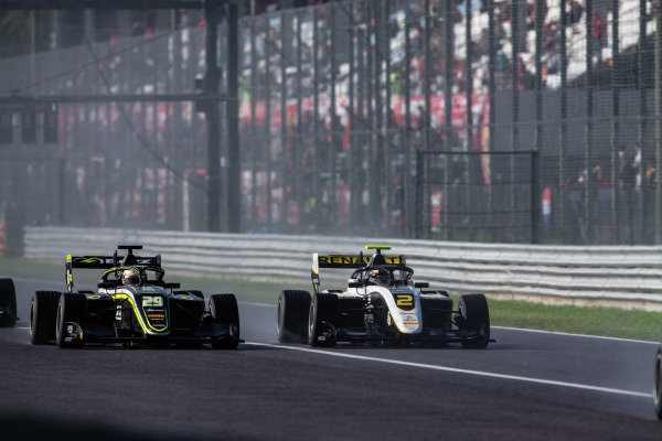 AUTODROMO NAZIONALE MONZA, ITALY - SEPTEMBER 08: Max Fewtrell (GBR, ART Grand Prix) and Teppei Natori (JPN, Carlin Buzz Racing) during the Monza at Autodromo Nazionale Monza on September 08, 2019 in Autodromo Nazionale Monza, Italy. (Photo by Joe Portlock / LAT Images / FIA F3 Championship)