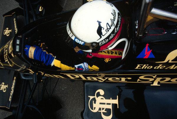 1985 Canadian Grand Prix, Montreal, Quebec, Canada.14-16 June 1985.Elio de Angelis (Lotus 97T Renault) 5th position.World Copyright - LAT Photographic