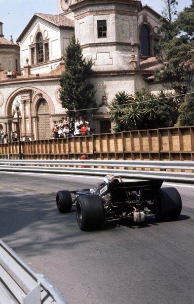 1971 Spanish Grand Prix.Monjuich Park, Barcelona, Spain.16-18 April 1971.Francois Cevert (Tyrrell 002 Ford) 7th position.Ref-71 ESP 18.World Copyright - LAT Photographic