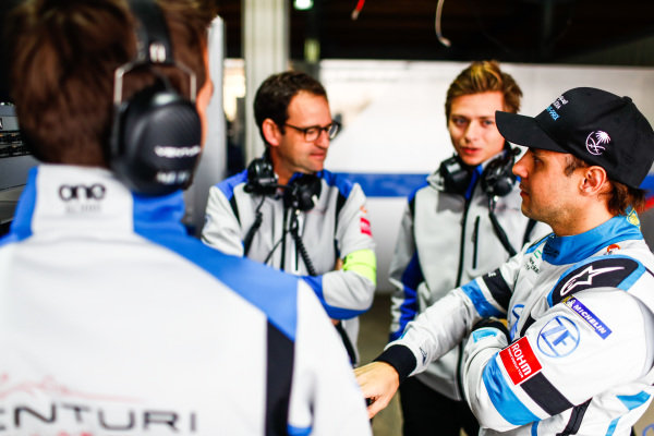 Felipe Massa (BRA), Venturi Formula E talks to Venturi engineers