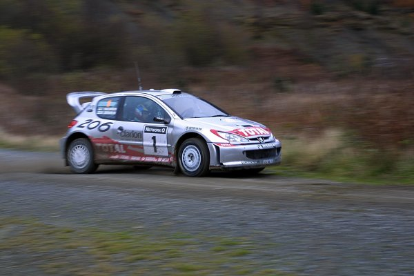 2001 FIA World Rally Championship.Rally Of Great Britain. Cardiff, Wales. November 22-25th.Marcus Gronholm, Peugeot 206 WRC.Stage Five.Photo: Paul Dowker/LAT Photographic.World - LAT Photographic.8 9mb DIgital File Only