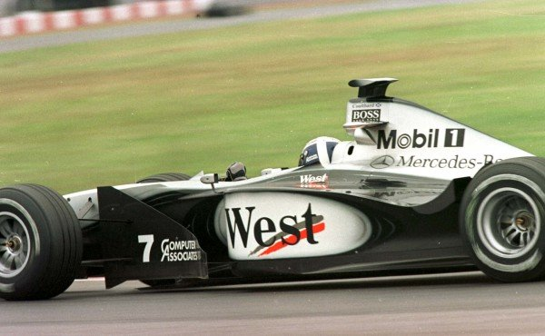 1998 Argentinian Grand Prix.Buenos Aires, Argentina.10-12 April 1998.David Coulthard (McLaren MP4/13 Mercedes-Benz).World Copyright - LAT Photographic