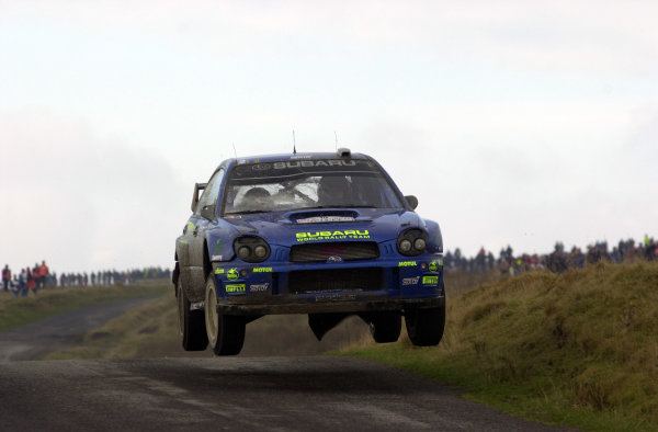 2002 World Rally Championship.Network Q Rally of Great Britain, Cardiff. November 14-17. Tommo Makinen on Stage 10, Halfway 1, after breaking the windscreen on low branches on the previous stage.Photo: Ralph Hardwick/LAT
