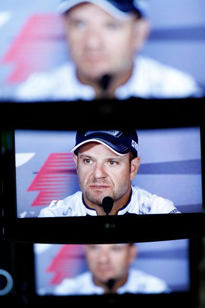 Autodromo Nazionale di Monza, Monza, Italy.9th September 2010.Rubens Barrichello, Williams FW32 Cosworth on the screens in the Media CentreWorld Copyright: Andrew Ferraro/LAT Photographicref: Digital Image _Q0C6598