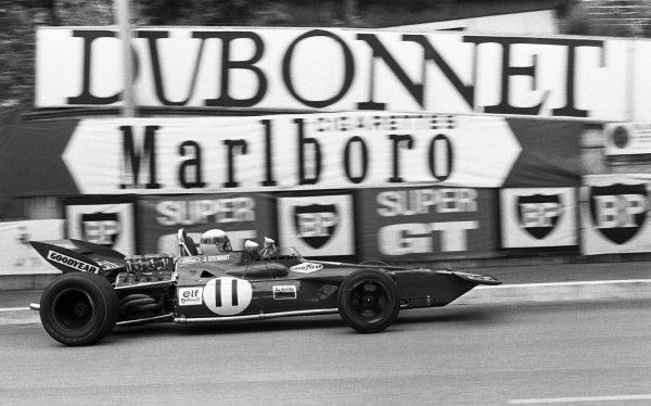 Race winner Jackie Stewart (GBR) Tyrrell 002. Monaco Grand Prix, Monte-Carlo, Monaco, 23 May 1971.