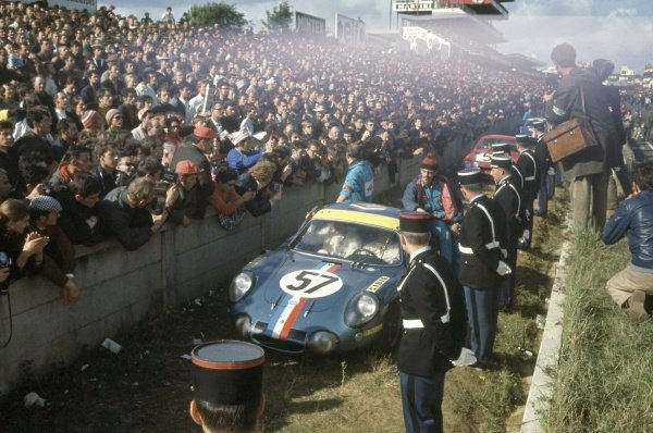 1968 Le Mans 24 hours. Le Mans, France. 28-29 September 1968. Alain Le Guellec/Alain Serpaggi (Alpine A210-Renault), 9th position and 1st in class. World Copyright: LAT Photographic Ref: 68LM39