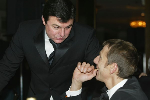 2003 AUTOSPORT AWARDS, The Grosvenor, London. 7th December 2003.Mark Blundell stops for a chat.Photo: Peter Spinney/LAT PhotographicRef: Digital Image only