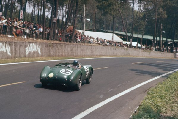 1957 Le Mans 24 hours. Le Mans, France. 22-23 June 1957. Peter Jopp/Dickie Stoop (Frazer Nash Sebring), retired. World Copyright: LAT Photographic Ref: 57LM08