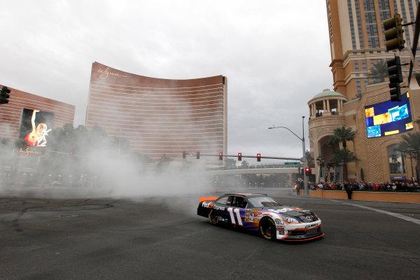 30 November - 2 December, 2011, Las Vegas, Nevada, USADenny Hamlin burnout(c)2011, Michael L. LevittLAT Photo USA