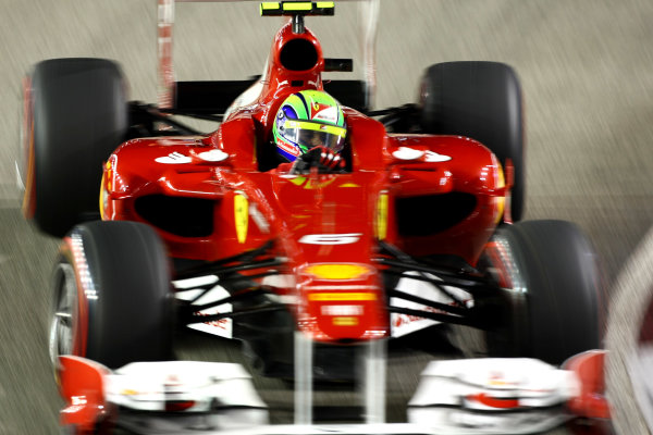 Marina Bay Circuit, Singapore.24th September 2011.Felipe Massa, Ferrari 150° Italia. Action. World Copyright: Andy Hone/LAT Photographicref: Digital Image CSP28492