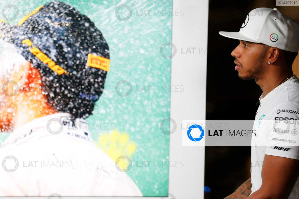 Yas Marina Circuit, Abu Dhabi, United Arab Emirates. Thursday 26 November 2015. Lewis Hamilton, Mercedes AMG. World Copyright: Charles Coates/LAT Photographic ref: Digital Image _J5R8439