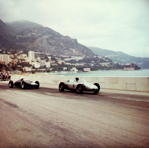 1961 Monaco Grand Prix.Monte Carlo, Monaco.11-14 May 1961.Dan Gurney (Porsche 718) leads Tony Brooks (BRM P48/57 Climax). Gurney finished in 5th position.Ref-3/0261.World Copyright - LAT Photographic