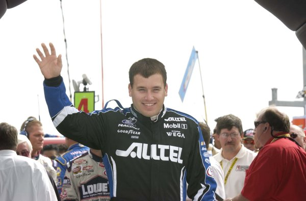 2002 NASCAR,Kansas City,Ks. Sept 26-29, 2002 USA -Ryan Newman waves to crowd,Copyright-Robt LeSieur2002LAT Photographic