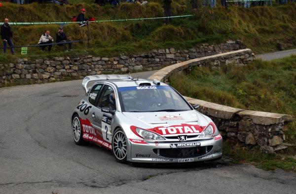 2002 World Rally Championship.Rallye d'Italia, 20-22 September.Sanremo, Italy.Marcus Gronholm on Stage 2.Photo: Ralph Hardwick/LAT