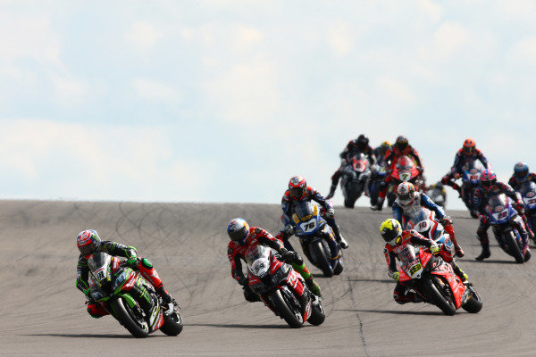 Leon Haslam, Kawasaki Racing Team, Toprak Razgatlioglu, Turkish Puccetti Racing, Alvaro Bautista, Aruba.it Racing-Ducati Team.
