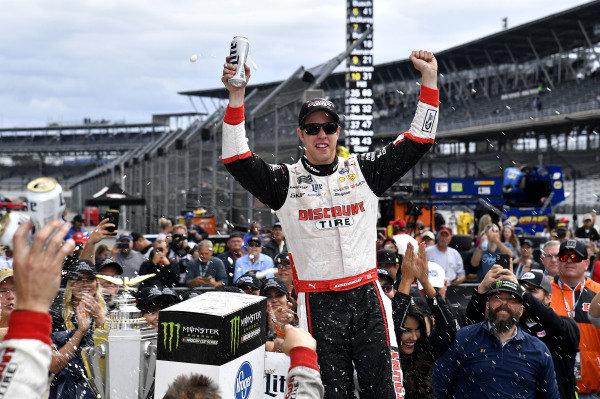 #2: Brad Keselowski, Team Penske, Ford Fusion Discount Tire wins