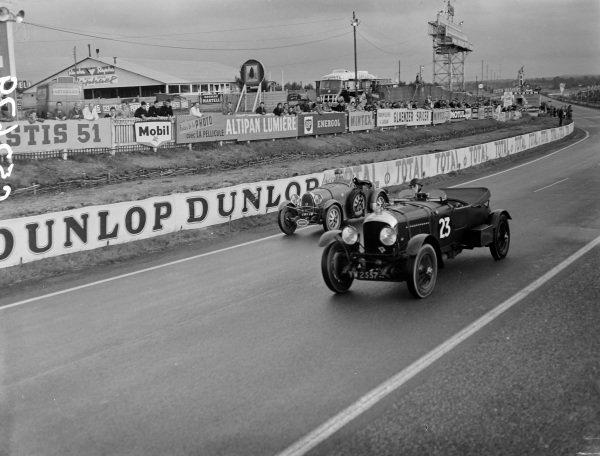 T.D.L. Rose, 1928 Bentley leads G.J.M.J. Prick, 1931 Bugatti .