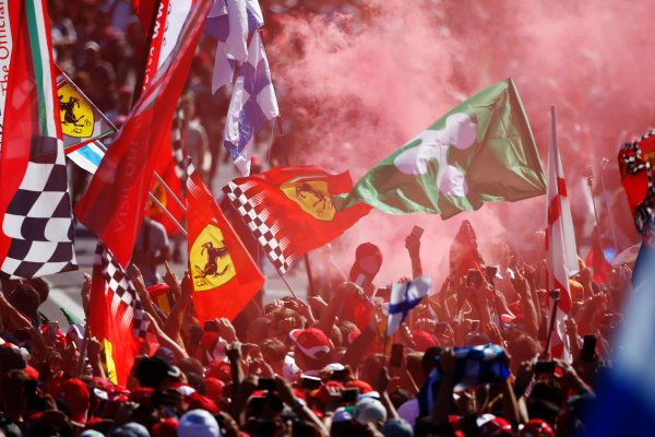 Autodromo Nazionale di Monza, Italy. Sunday 03 September 2017. Fans celebrate after the race. World Copyright: Andy Hone/LAT Images  ref: Digital Image _ONZ3843