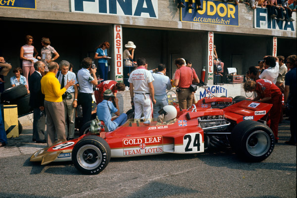 Monza, Italy. 4th - 6th September 1970.John Miles (Lotus 72C-Ford), withdrawn after Jochen Rindt's  fatal accident, action. World Copyright: LAT PhotographicRef: 70 ITA.