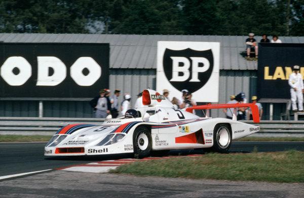 Le Mans, France. 10-11 June 1978.Jacky Ickx/Henri Pescarolo/Jochen Mass (Porsche 936), retired, action. World Copyright: LAT Photographic.Ref: 78LM25.
