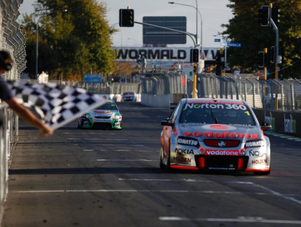 Round 4 - Hamilton 400.Hamilton City Street Circuit, Hamilton, New Zealand.17th - 18th April 2010.Car 1, Jamie Whincup, Commodore VE, Holden, T8, TeamVodafone, Triple Eight Race Engineering, Triple Eight Racing.World Copyright: Mark Horsburgh / LAT Photographicref: 1-Whincup-EV04-10-5784